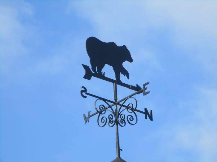 Into Haresfield where there are bears