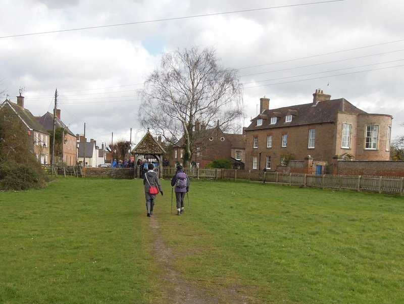 We head into Frampton with its grand houses
