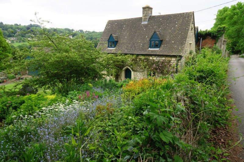 The cottage idyll