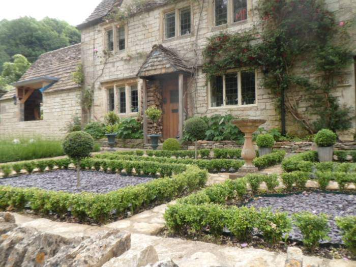 And pass houses with formal gardens,