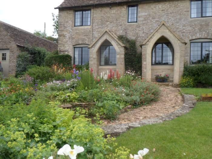 Past lovely gardens in Westonbirt village