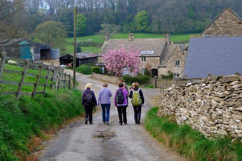 Heading down towards Calfway Farm