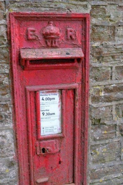 An Edward VII letter box