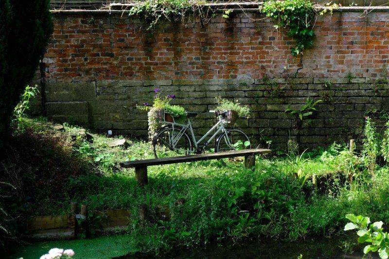 101 things to do with an old bike - no. 98