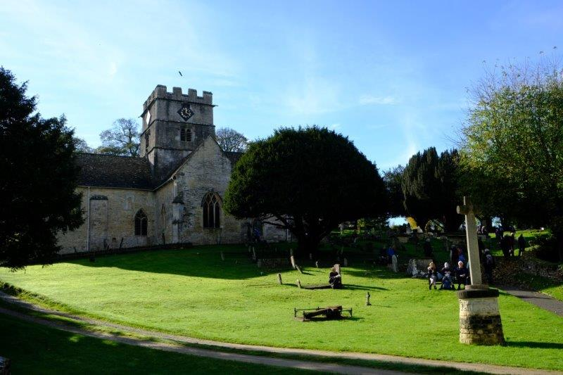 We stop for lunch in the churchyard