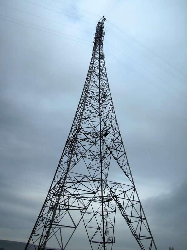 Passing the giant pylon