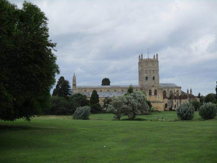 And return round the back of the abbey to Tewkesbury.