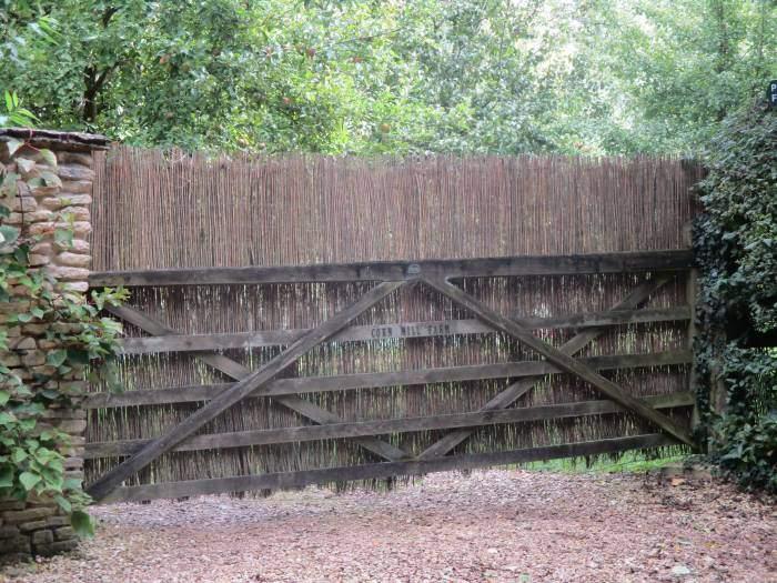 A subtle gate