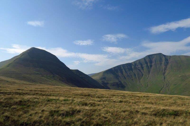 Reaching the ridge we look across at Cribyn and Pen y Fan