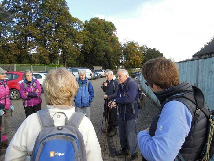 Anne lets Mike tell us about the first world war gun in Victory Park, Ebley when he was young, and how it was melted down to make bombs in WW2