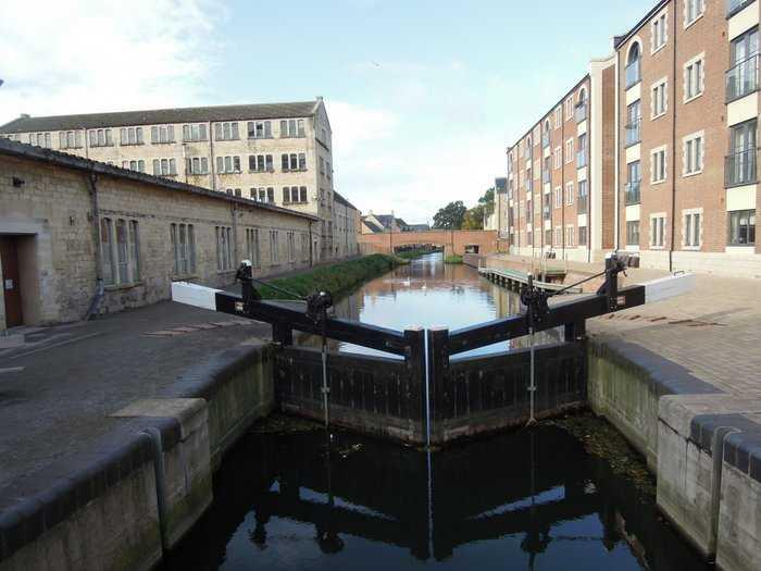 Not a lock gate, but a flood barrier