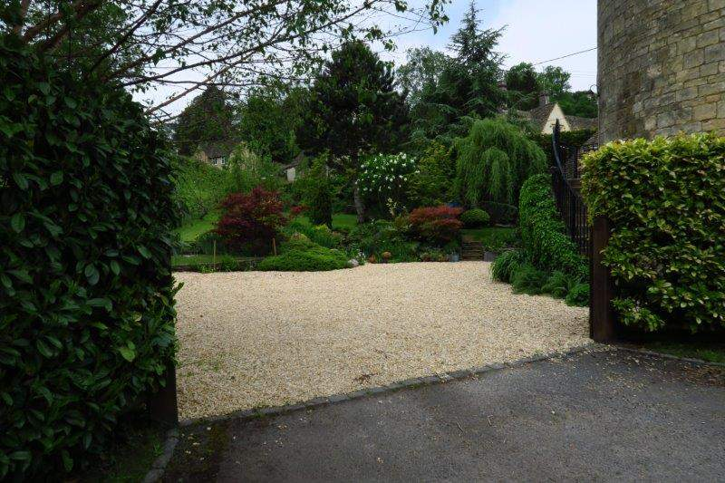 Back to the start - another pretty garden.