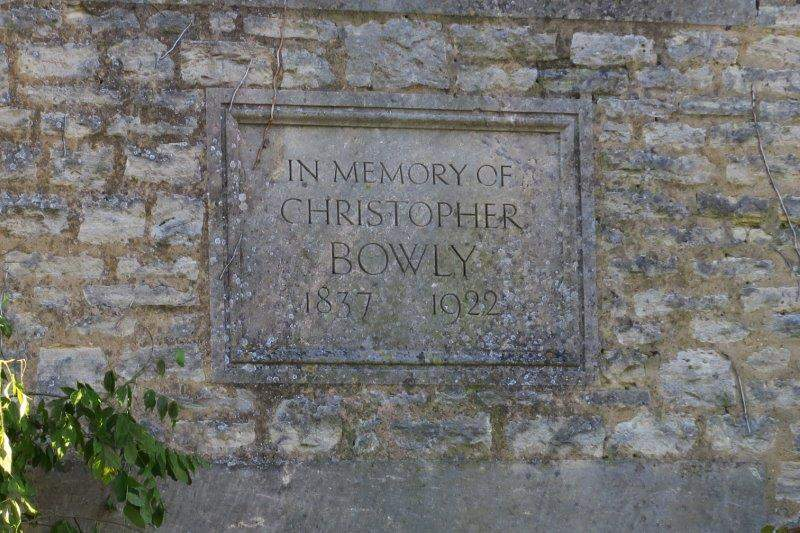 Past a memorial to Christopher Bowly - a temperance campaigner