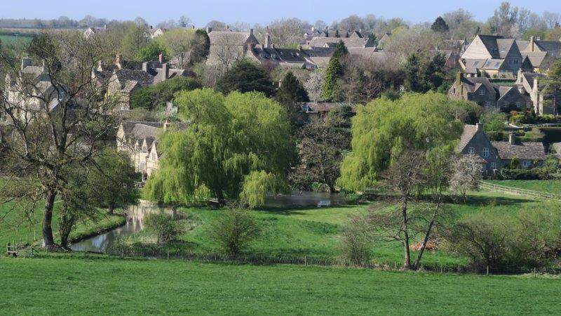 Quenington across the river