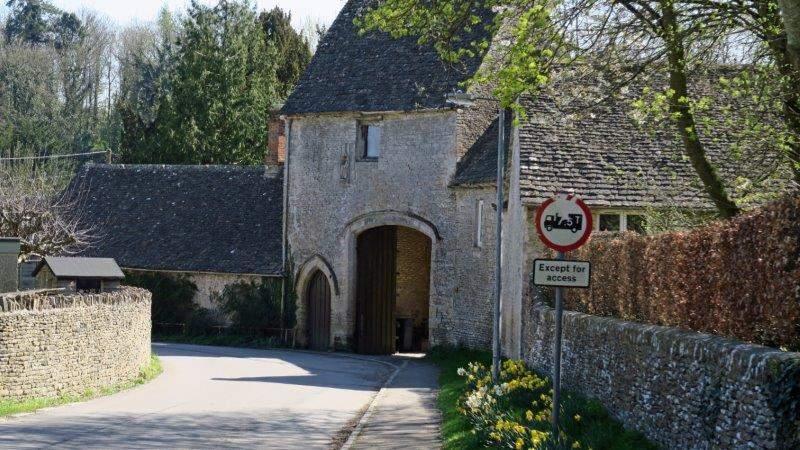 Into Quenington