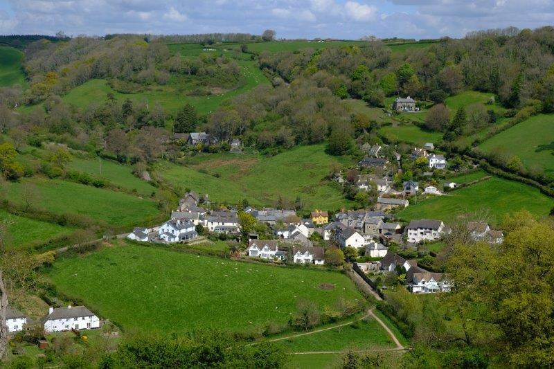 We continue across the top of the hill above Branscombe