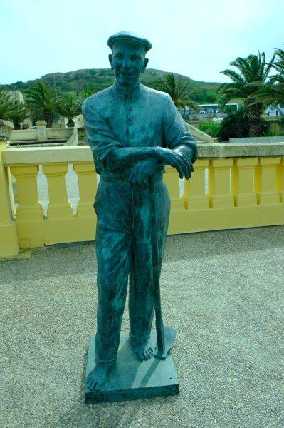 Another statue of a farmer
