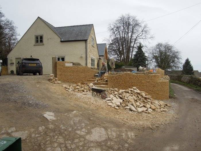 More walling work, this looks serious