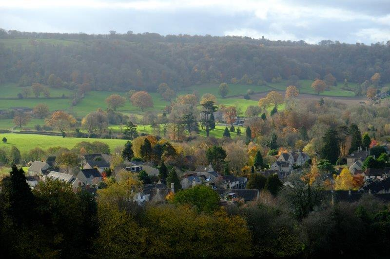 With views across the valley