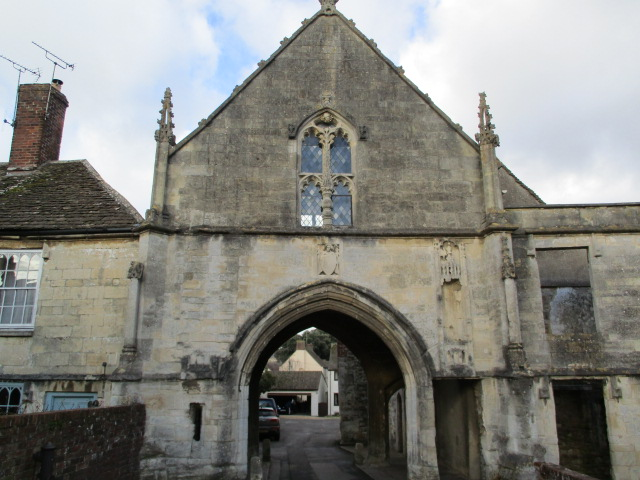 Past Kingswood Abbey Gatehouse