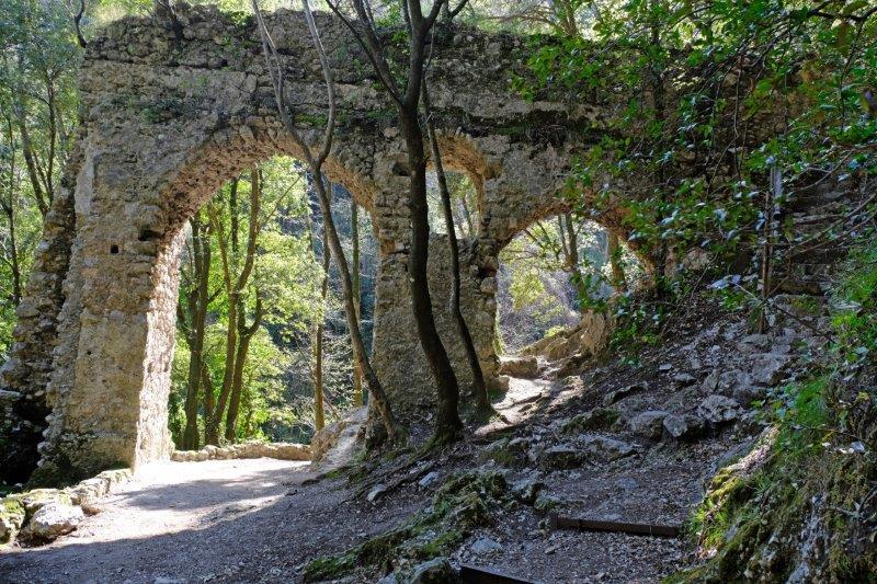 An old Roman aqueduct