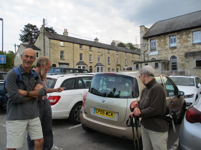 The 4 of us discuss the different coloured panel on the car in Nailsworth car park before the start of Neil's walk