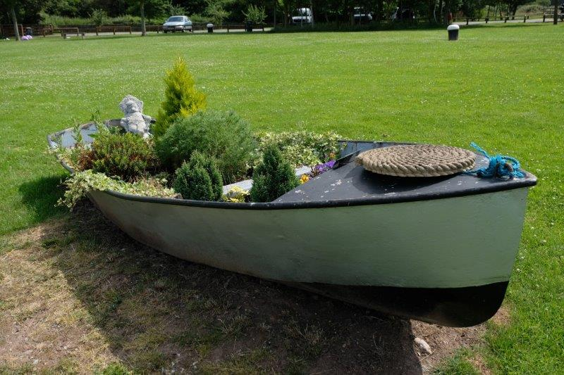 And the old boat on the green where we take a breather