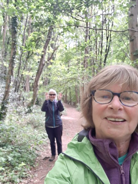 After 8 weeks Jill and Sue meet up to walk 2m apart